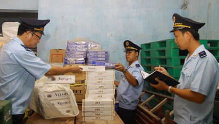PM asks for tougher efforts to tackle tobacco smuggling