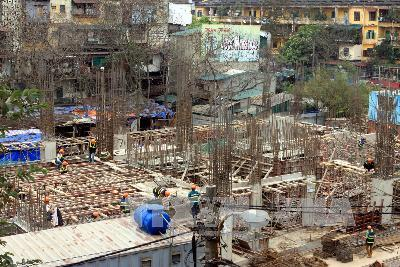 Old condominium reconstruction projects opened to foreign investors