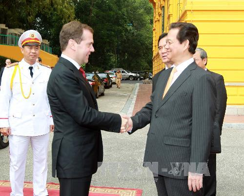Vietnam Russia to boost trade and investment