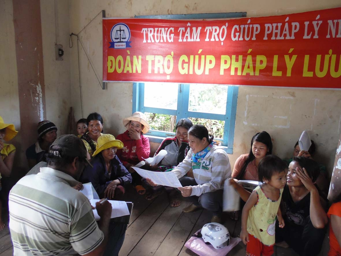 Vietnam adopts plan for legal aid reform by 2025
