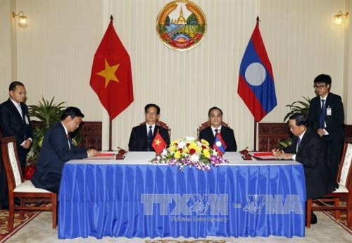 Vietnam Lao agree to boost cooperation on transport
