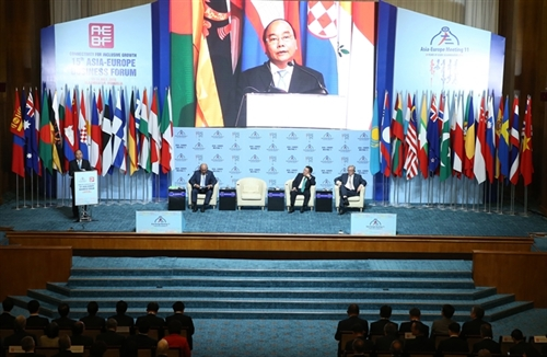 Vietnamese Prime Minister officiates at AEBF