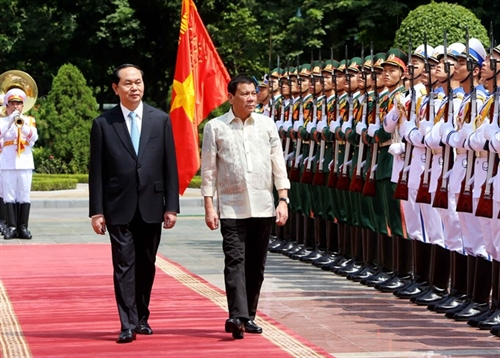 VN Philippines vow to strengthen political-diplomatic ties