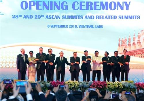 PM urges common voice at ASEAN Summit