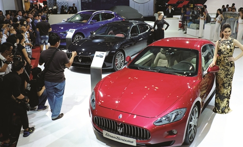 Govt tightens car import rules