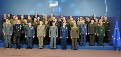 Vietnam EU step up defense - security ties