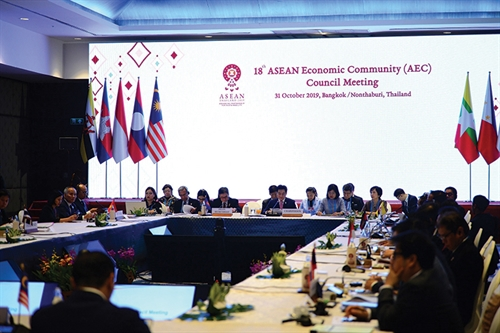 Vietnam makes important contributions to ASEAN economic cooperation: Minister