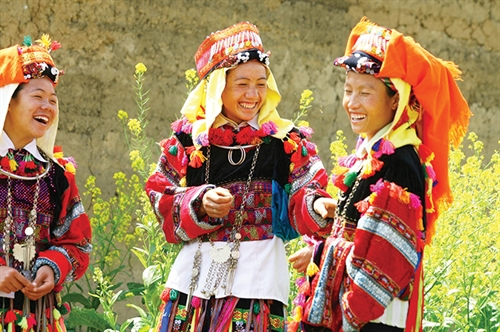 Life and customs of Lo Lo ethnic group