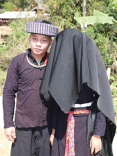Marriage rituals of the Hmong Xanh