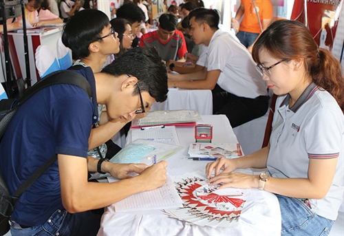 Draft law offers more supports for Vietnamese guest workers