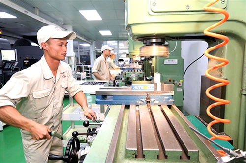 Developing processing and manufacturing industry in Vietnam: perception and policy orientation