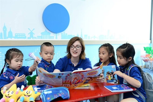 Foreigners teaching foreign languages in Vietnam to be obliged to possess appropriate certificates