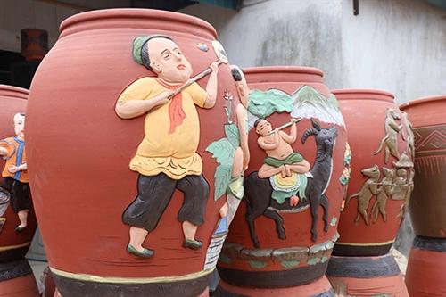 Phu Lang pottery village in Bac Ninh province