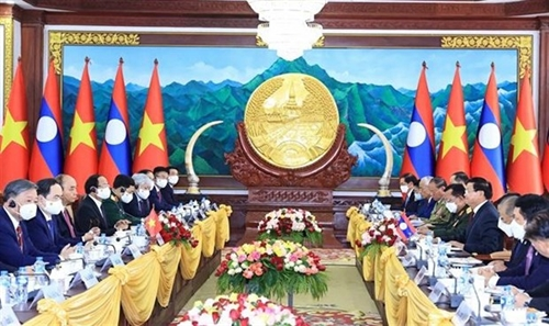 Top priority given to enhancing special Vietnam-Laos ties: Leaders
